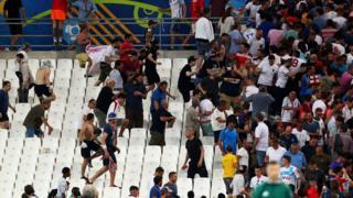 Hinchas violentos en el estadio Velodrome