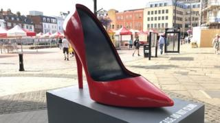 Giant stiletto