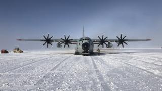in_pictures Hercules arriving in Antarctica
