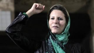 Aisha Muammar Mohamed El-Kadhafi a été inscrite sur une liste de personnes interdites de voyager et leurs actifs financiers gelés.