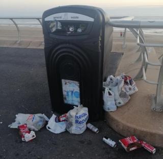 Overflowing bin in Blackpool