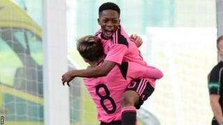 Le jeune joueur aux origines ivoiriennes vient de signer son premier contrat professionnel