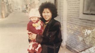1989年春天,呂京花與女兒