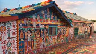 चित्रकार, पूर्व सैनिक की कहानी, गांव रंगने वाला पूर्व सैनिक