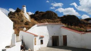 حقائق عن سكان الكهوف في الجنوب الإسباني