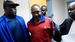 Toumba Diakité a tenté, le 3 décembre 2009, d'assassiner M. Camara lui reprochant de vouloir lui faire porter l'entière responsabilité du massacre du 28 septembre 2009