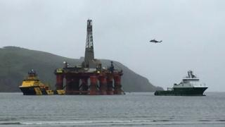 Helicopter during rig