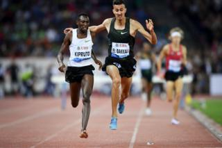 "Kenya""s Conseslus Kipruto (L) wins ahead of second-placed Morocco""s Soufiane El Bakkali in the men""s 3000 metres steeplechase during the IAAF Diamond League"