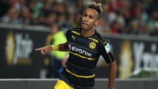 Le Gabonais Aubameyang s'est rapproché à Lewandowski du Bayern au classement des buteurs avec 4 buts contre 5.