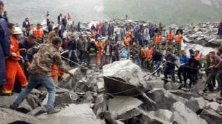 省阿坝州茂县境内一处山体周六(6月24日)凌晨6点左右发生高位垮塌,导致46户家庭超过141人被掩埋