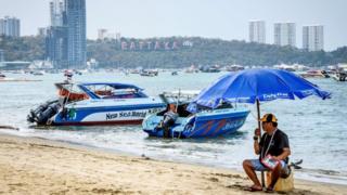 Плажа која је магнет за кинеске туристе сада зврји празна
