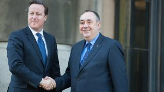 Salmond criticises Cameron for Queen indyref comments
