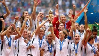 Đội tuyển Hoa Kỳ do Christie Rampone làm đội trưởng đã giành chiến thắng tại Women's World Cup 2015