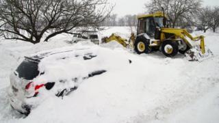 Сніг, дорога