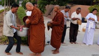 Monks at Nakhon Ratchasima mark Magha Puja festival