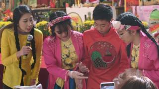 Giới trẻ Cali thi gói bánh chưng tại Little Sài Gòn