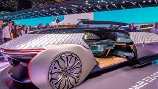 شاهد أغرب وأروع ما عرض من سيارات لهذا العام