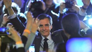 Le candidat de la droite propose également de fixer un critère d'assimilation des étrangers pour l'obtention de la nationalité française