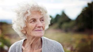 Mujer de avanzada edad