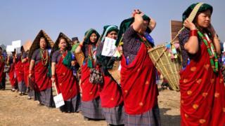 د نیپال په ګډون په نړۍ کې ښځې تر سړیو د ښځو د عمر اوسط لوړ دی