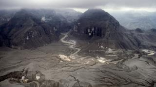 После извержения вулкана Пинатубо на Филиппинах в 1991 году окружающие поля были погребены под несколькими метрами пепла