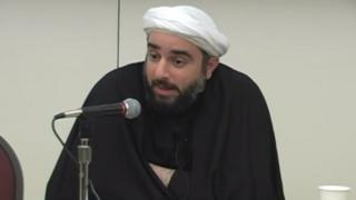Sheikh Farrokh Sekaleshfar speaks at the University of Michigan in 2013