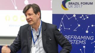 Banqueiro Roberto Setubal durante evento em Oxford