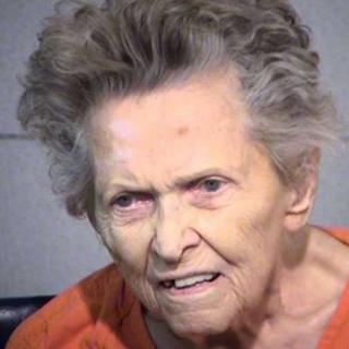 اتهمت آنا ماي بليسينغ بالقتل العمد والخطف