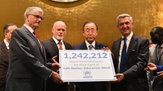 Les dirigeants du monde présents à la conférence ont signé une déclaration s'engageant à apporter une réponse humaine et mieux organisée à la crise des réfugiés.