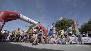 Runners at Swansea Half Marathon