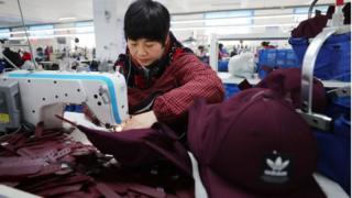 Trung Quốc cắt giảm thuế trị giá 298 tỷ USD để thúc đẩy tăng trưởng chậm