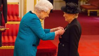 The Queen and Dame Julie Walters