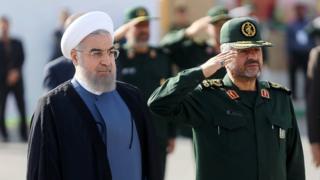 محمدعلی جعفری فرمانده سپاه و حسن روحانی رئیس جمهور