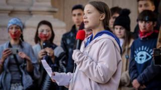 گرتا تونبرگ، نوجوان فعال محیط زیست، 'جایزه محیط زیستی شورای کشورهای شمال اروپا' را نپذیرفت.