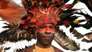 800 language in Papua