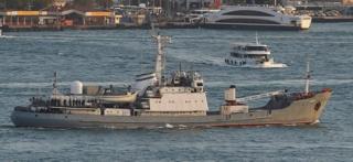 Meli ya Liman ikipitia mlango wa bahari wa Bosphorus mwezi Oktoba