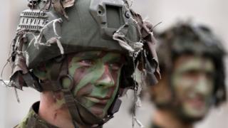 Солдат на учениях НАТО