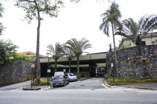 Entrada del condominio donde Marcelo Odebrecht cumple arresto domiciliario (Foto: Newton Menezes/Futura Press)