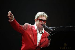 Elton John performing in New York on December 31, 2014