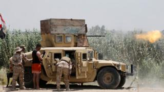 Iraqi security forces clash with Islamic State militants near Falluja
