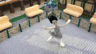A knitted roller skater