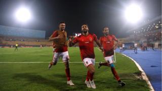 إسلام محارب يحتفل بهدفه مع وليد سليمان وصلاح محسن