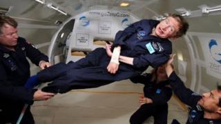 ستيفن هوكينغ في تجربة انعدام الوزن