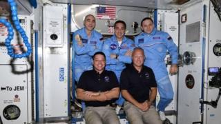 سه سرنشین ایستگاه بین المللی فضایی از هرلی و بنکن استقبال کردند