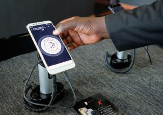 Les smartphones sont fabriqués en Afrique, y compris les composants.