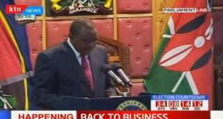 Rais Kenyatta akifungua bunge