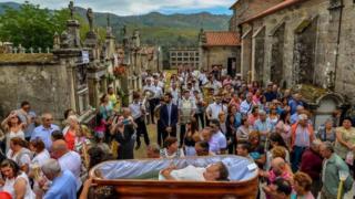 احتفال بالإنتصار على الموت في إسبانيا