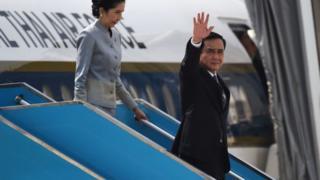 พล.อ. ประยุทธ์ จันทร์โอชา นายกรัฐมนตรีไทย และภรรยาเดินทางถึงนครดานัง เวียดนาม ในวันนี้