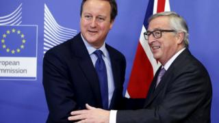 "Britain""s Prime Minister David Cameron poses with European Commission President Jean-Claude Juncker (R) ahead of a meeting at the EU Commission headquarters in Brussels, Belgium, 29 January 2016"