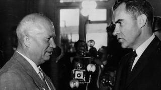 赫魯曉夫(左)和尼克松(右)